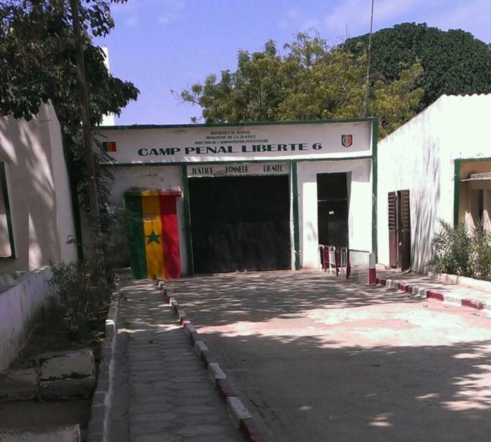 Rébellion à la prison de Camp pénal : des caïds attaquent des mâtons