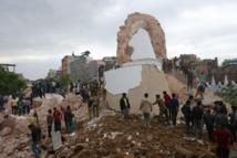 Séisme au Népal: le bilan s'alourdit à 688 morts