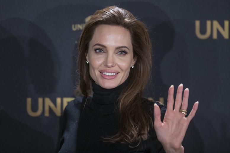 Angelina Jolie accusée par une jeune éthiopienne