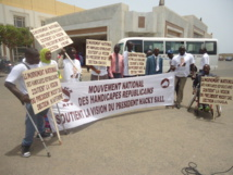 Egalité des chances: Macky Sall gâte les handicapés