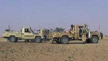 L'attaque qui a fait au moins huit morts a été revendiquée par la Coordination des mouvements de l'Azawad. Ici, des combattants du Mouvement national de libération de l'Azawad, dans le voisinage de Tabankort (nord du Mali), le 15 février 2015. REUTERS/Souleymane Ag Anara
