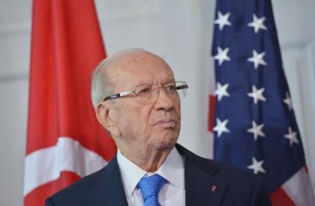 Visite : Obama accueille le président tunisien en quête d'aide militaire