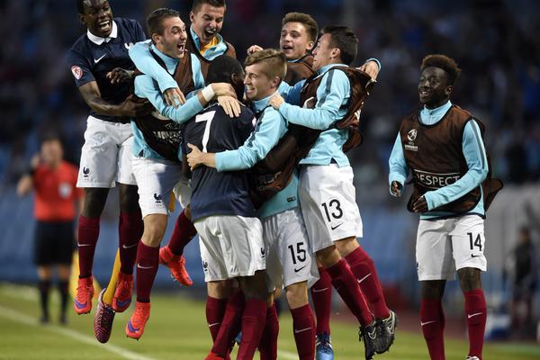 Football: la France sacrée championne d'Europe des moins de 17 ans