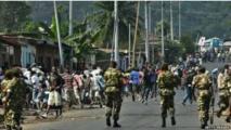 La police face aux manifestants à Bujumbura