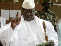 Yaya Jammeh annonce le retrait de la Gambie de l'Union Africaine et menace