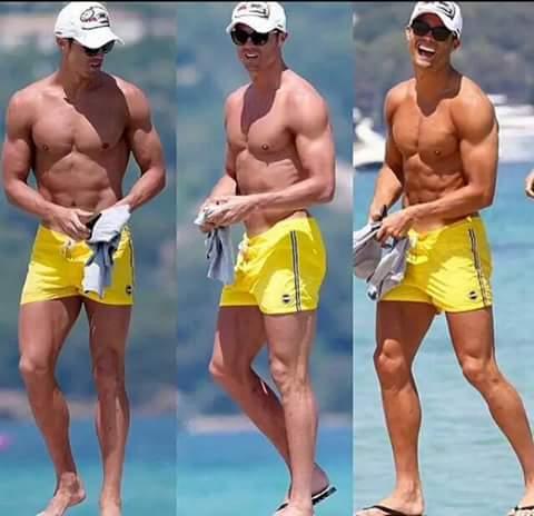 En vacances à Saint Tropez, Cristiano Ronaldo respire la forme