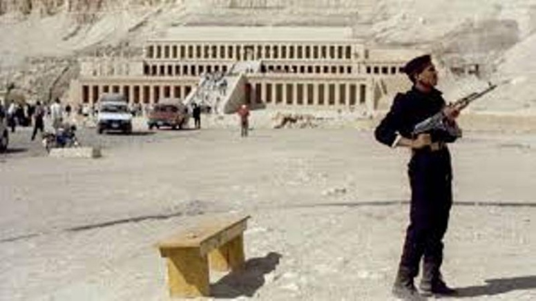Egypte: attentat manqué sur le site touristique de Louxor, au moins deux assaillants abattus
