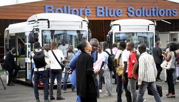 Véhicules électriques : les Bluecars de Bolloré débarquent à Brazza