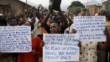 Des opposants au président burundais Nkurunziza à Bujumbura, le 4 juin 2015. REUTERS/Goran Tomasevic