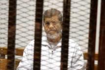 Egypte: l'ancien président islamiste Mohamed Morsi condamné à la prison à vie pour «espionnage»