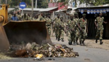 Patrouille militaire à Bujumbura le 29 mai 2015. REUTERS/Goran Tomasevic
