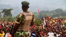 Un soldat lors d'un meeting électoral du président Pierre Nkurunziza, le 26 juin 2015. AFP PHOTO / LANDRY NSHIMIYE