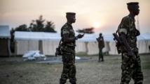 Des milliers de soldats sont mobilisés pour protéger les bureaux de vote, souvent installés dans des tentes en banlieue des quartiers sensibles pour éviter tout débordement, comme ici dans le quartier Musaga à Bujumbura
