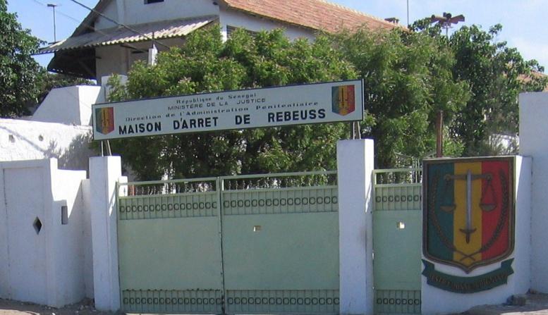 Destruction de panneaux publicitaires : mandat de dépôt en vue pour les collaborateurs de Barthélemy Dias