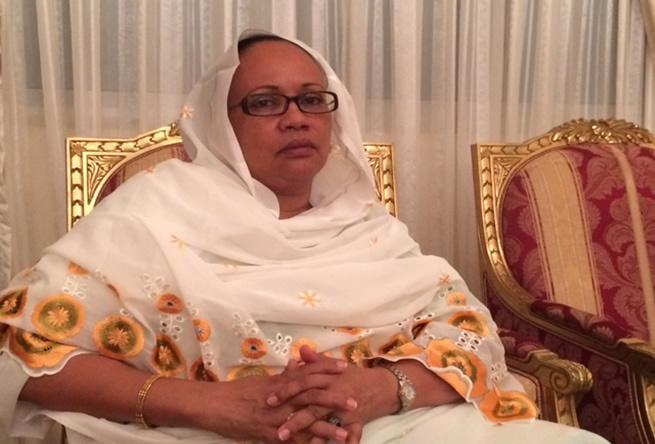 A 7 jours de l'ouverture du procès de son mari, Mme Habré parle