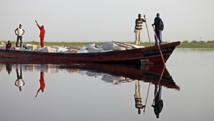 Le commerce du poisson du lac Tchad est interdit parce qu'il financerait Boko Haram. The Asahi Shimbun via Getty Images