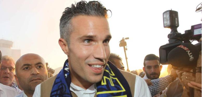 OFFICIEL : Robin van Persie quitte Manchester United pour rejoindre Fenerbahçe !