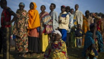 Devant un bureau de vote du village de Buye, ce mardi 21 juillet, dans la province burundaise de Ngozi. AFP PHOTO / PHIL MOORE