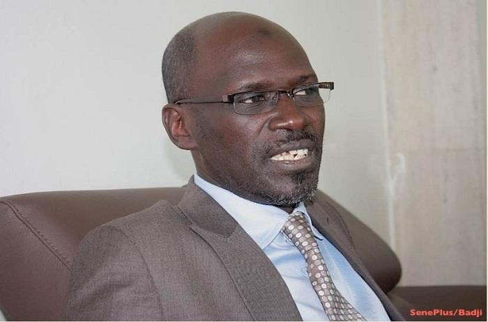 Seydou Guèye : «Le pays marche, c'est la situation personnelle de Decroix qui est carabinée».