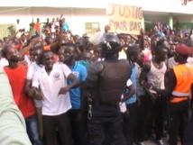 Jets de pierres sur le cortège présidentiel : la police piste une conspiration politique