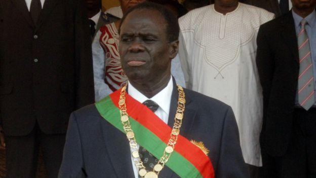 Deux ex-ministres arrêtés au Burkina