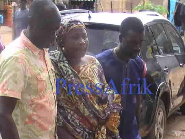 Premières Images et vidéos de chez Doudou Ndiaye Rose