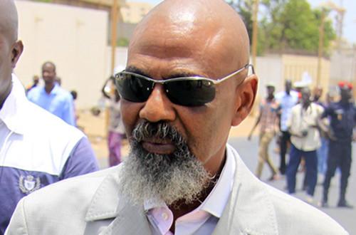 Direct Place de l'Obélisque - Manif de l'opposition: Pape Samba Mboup interpellé