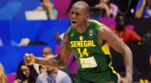 """Afrobasket : Les """"Lions"""" du Sénégal souffrent, mais passent de justesse devant le Maroc (76-71)"""
