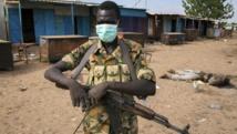 Un combattant de la rébellion de Riek Machar, à Bentiu, dans l'Etat d'Unité (Soudan du Sud). REUTERS/Emre Rende