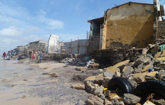 En colère, la mer fait des dégâts à Hann montagne, Bargny et sur la Corniche Est