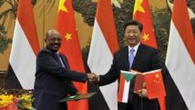 Plusieurs chefs d'Etat africains ont été invité aux commémorations, dont le président soudanais Omar el-Béchir, ici avec Xi Jinping. REUTERS/Parker Song/Pool