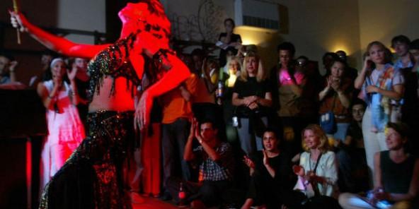 Deux danseuses égyptiennes condamnées à six mois de prison pour « débauche »