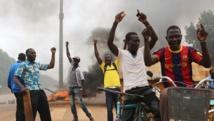 Des manifestants réunis à Ouagadougou, au Burkina Faso, le 18 septembre 2015. REUTERS/Joe Penney