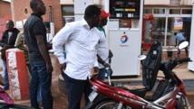 Les stations-service avaient dû fermer pendant la durée du putsch militaire faute de réapprovisionnement en carburant. AFP PHOTO / SIA KAMBOU