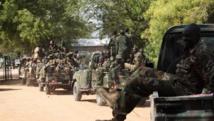 Des soldats sud-soudanais, le 25 décembre dans la ville de Bor, à 500 km au nord de Juba. REUTERS/James Akena