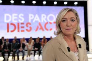 Des Paroles et des Actes: Marine Le Pen refuse la proposition de France 2