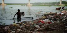 Un énorme séisme frappe l'Asie: des morts et des blessés au Pakistan