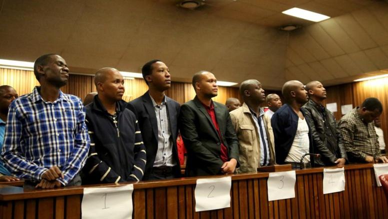Afrique du Sud: 15 ans de prison pour des policiers accusés de meurtre