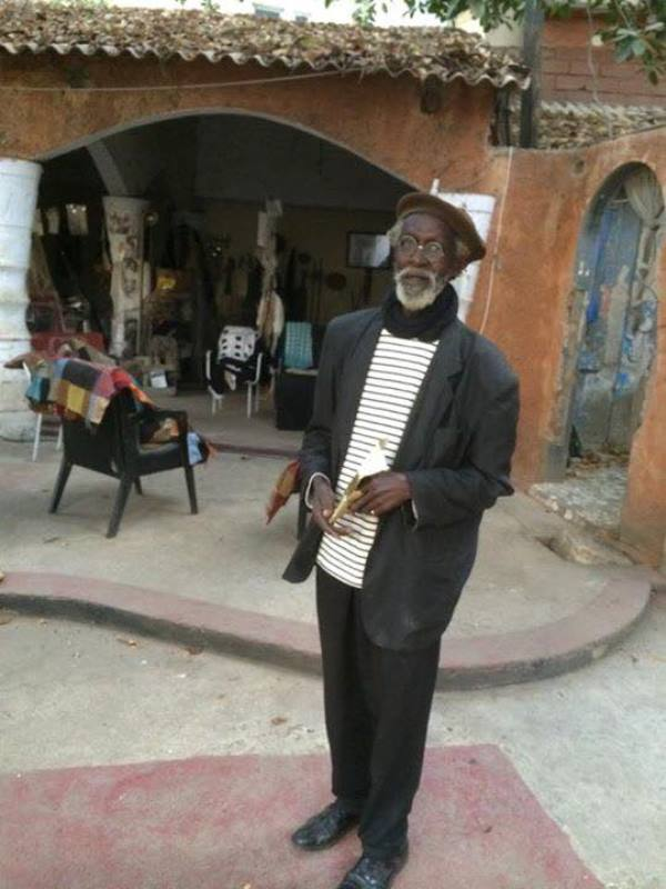 La vente de la Cour de Joe Ouakam affole la toile