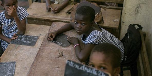 L'école primaire pour tous, mais pas pour tout de suite
