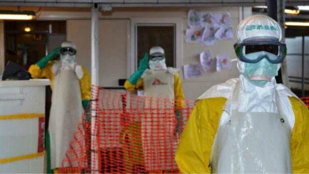 Ebola : l'action de l'OMS critiquée