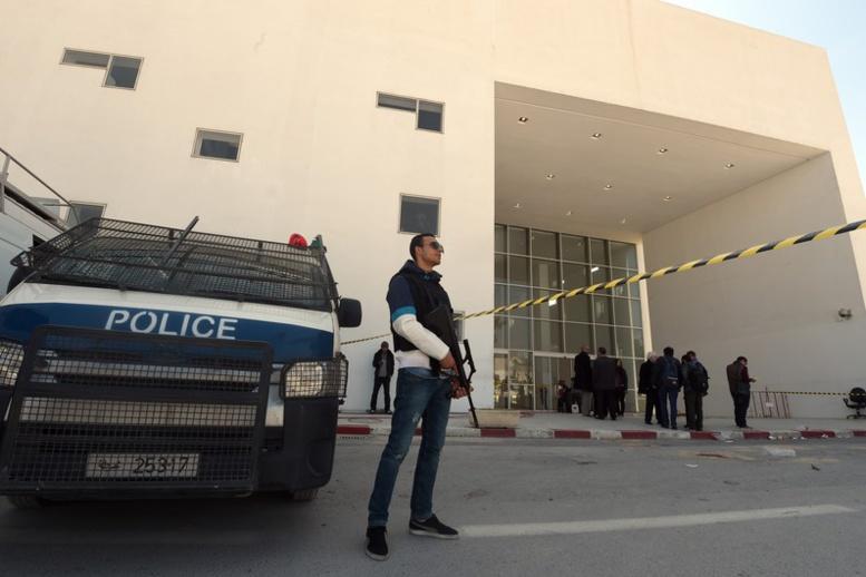 Tunisie : au moins 11 morts dans une explosion à bord d'un bus de la sécurité présidentielle à Tunis