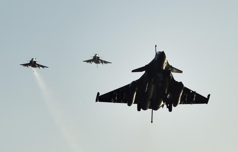 L'aviation française bombarde des enfants