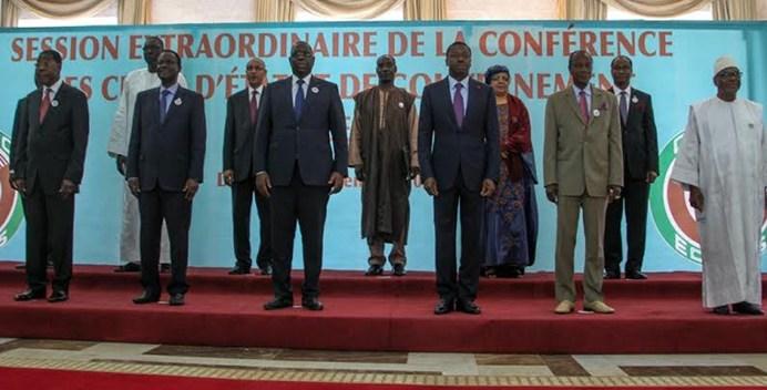 Lutte contre le terrorisme: Macky Sall convoque un sommet à Abuja