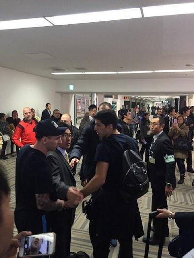 Insulté et victime de crachats à l'aéroport, Messi réplique