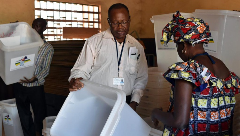 Présidentielle, législatives: la Centrafrique vote pour sortir du chaos