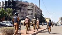 Après l'attaque terroriste de Ouagadougou, le deuil et les questions
