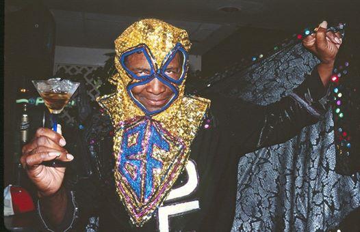 Clarence Reid, rappeur américain en costume de super-héros à paillettes, est mort