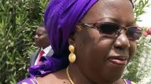 « Si Macky Sall fait 7ans, il fera du wax waxeet » Khoudia Mbaye Ministre de la promotion des investissements