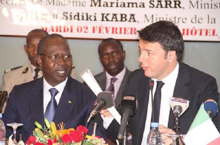 Face à Matteo Renzi, Mahammad Dionne vante la destination Sénégal.